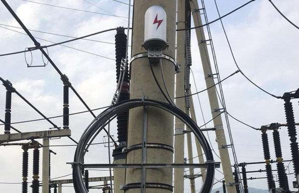 五分钟带你区分ADSS光缆与OPGW光缆及所需光缆金具,分别用在哪些地方